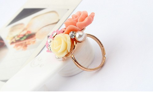 Rhinestone Decorated Colored Flower Design Ring