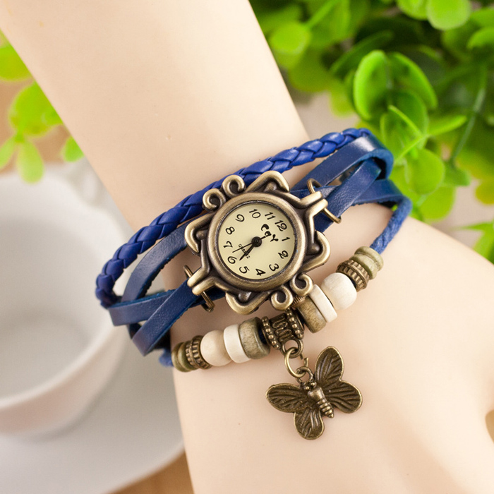 Stylish Quartz Watch with Four-leaf Clover Pendant Round Dial and Knitting Leather Watch Band for Women