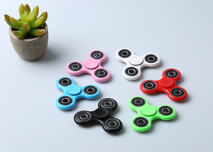 Fidget Toy Triangle main Spinner Finger Gyro