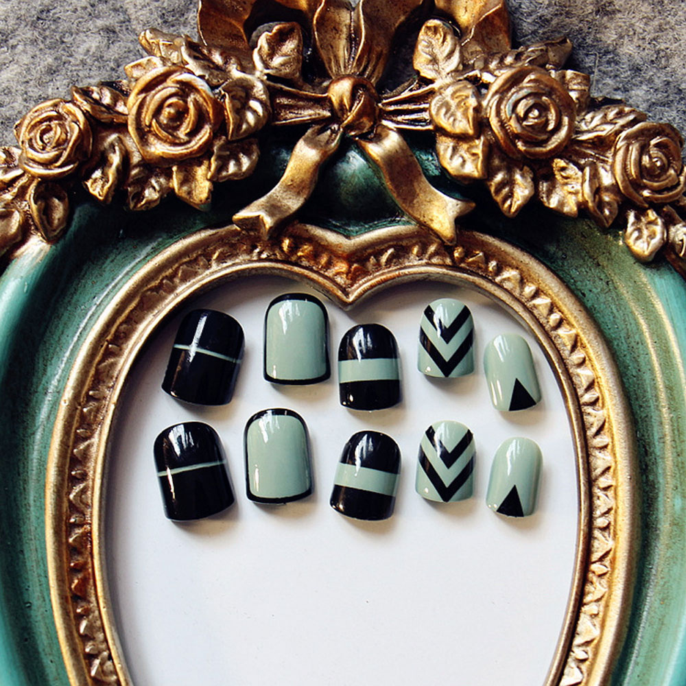 Green + Black Wrapping Small Short Manicure Patch Nail Sticker