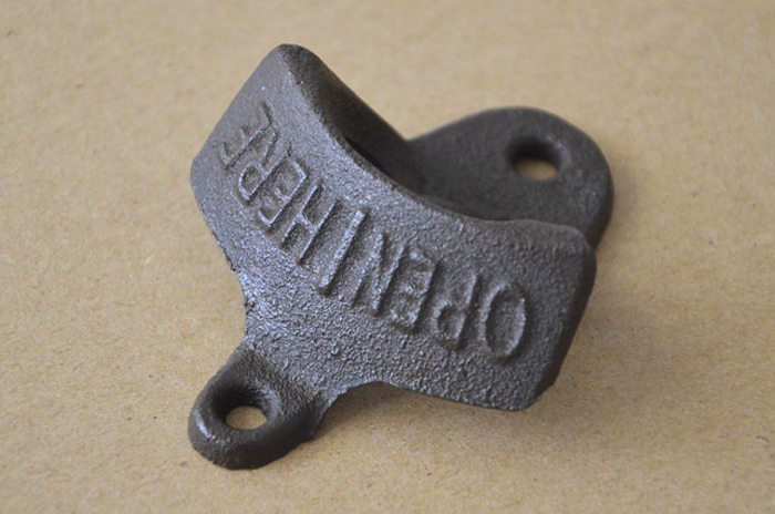 Retro Cast Iron Wall-hung Bar Beer Bottle Opener with Hanging Hook