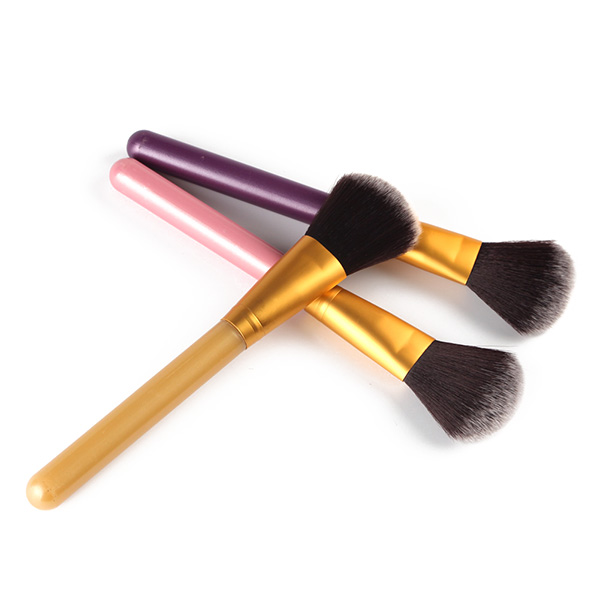 Stylish Soft Nylon Blush Brush