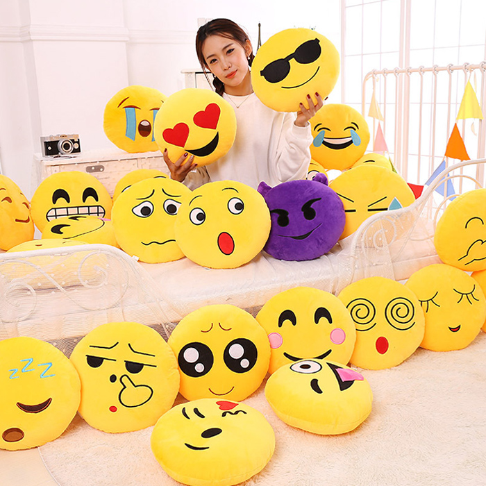 Smiling Face Pattern Pillow Case