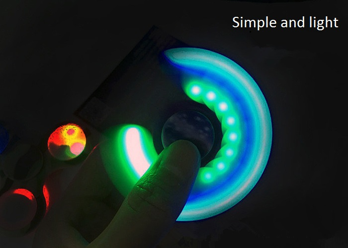 Tri-bar Plastic Fidget Spinner avec flashing LED Lights