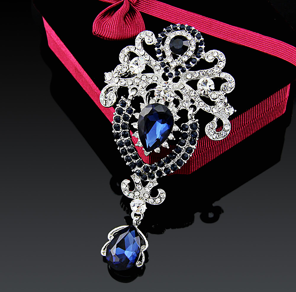 Stylish Water Drop Shape Hollow Crystal Zircon Rhinestone Platinum Plated Brooch