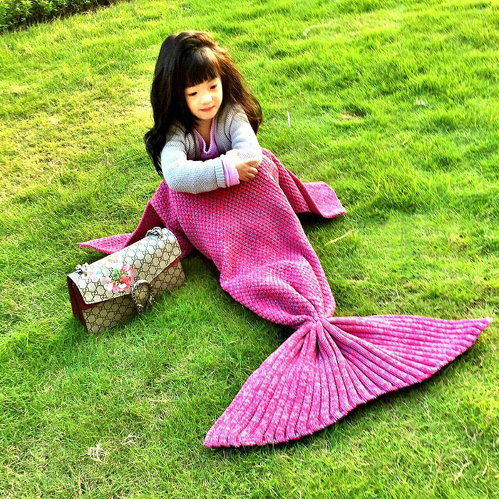 Crocheted / Knited Mermaid Tail Style Blanket