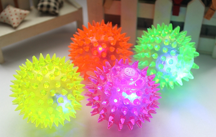 1pc Creative Kid Toy Flash LED Light Up Bouncing Hedgehog Massage Ball