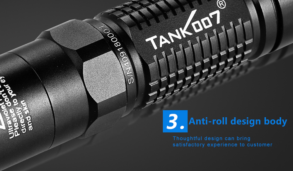 TANK007 UV - L03 365nm 5W linterna recargable UV
